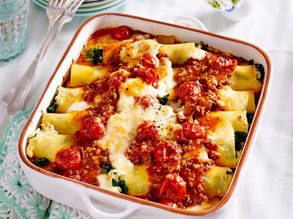 Ricotta-Spinat-Cannelloni mit Hack-Tomtaten-Soße Rezept