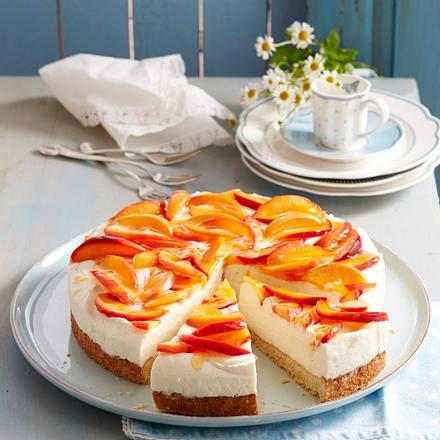 Ricotta-Torte mit Nektarinen Rezept