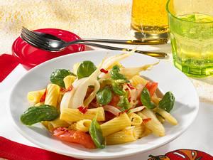Rigatoni mit Tomaten, Fenchel und Peperoni Rezept
