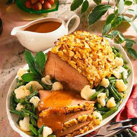 Rinderbraten mit Haselnuss-Käse-Kruste Rezept