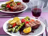 Rinderfilet mit Barolosoße an grünem Spargel und Kirschtomaten (Das perfekte Dinner) Rezept