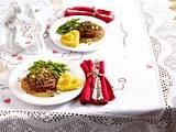Rinderfilet mit Pilz-Kräuterkruste, Bohnen und Herzoginkartoffeln Rezept