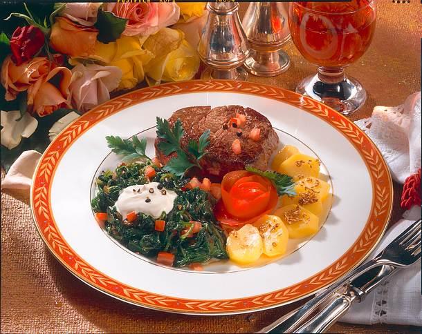Rinderfilet mit Spinat und Kartoffeln Rezept