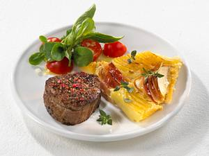 Rinderfiletsteak mit Kartoffel-Apfelgratin (bis 500 kcal) Rezept