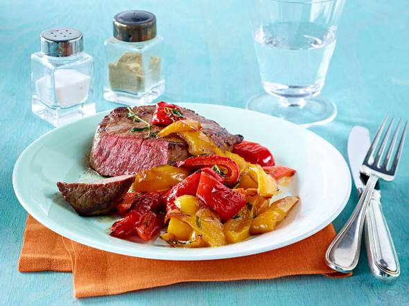 Rinderhüftsteak mit buntem Paprika-Thymian Gemüse Rezept