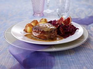 Rindermedaillons mit Honig-Feigensenfsoße und Rotkohl Rezept