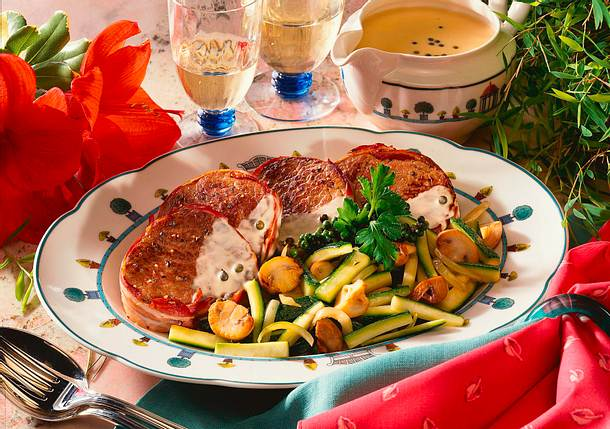 Rindermedaillons mit Zucchini-Champignongemüse Rezept