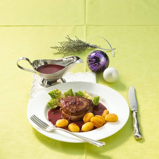 Rindersteak mit Rotwein-Nelken-Soße Rezept