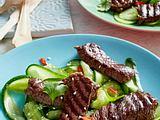 Rindfleisch japanischer Art mit eingelegten Gurken Rezept