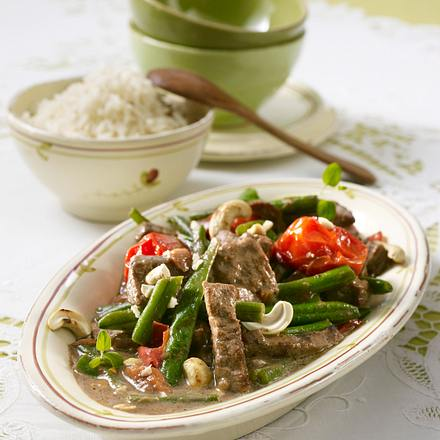 Rindfleischgeschnetzeltes mit Reis, Bohnen und Tomaten Rezept