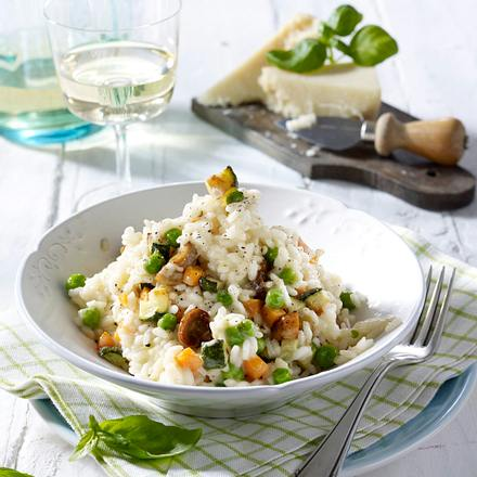 Risotto Primavera (mit Möhren, Champignons, Zucchini und Erbsen) Rezept
