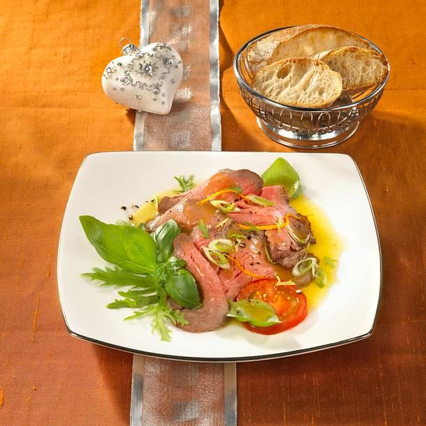 Roastbeef-Carpaccio mit Basilikum Rezept