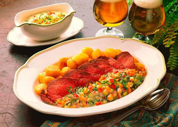 Roastbeef mit Gemüseremoulade und Röstkartoffeln Rezept