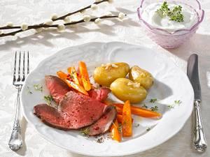 Roastbeef mit Möhren, Morcheln und Kresse-Dip Rezept
