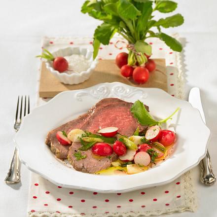 Roastbeef mit Radieschen-Zwiebel-Gemüse Rezept
