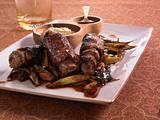 Roastbeef-Röllchen mit Feigensenf und Lauchzwiebeln Rezept