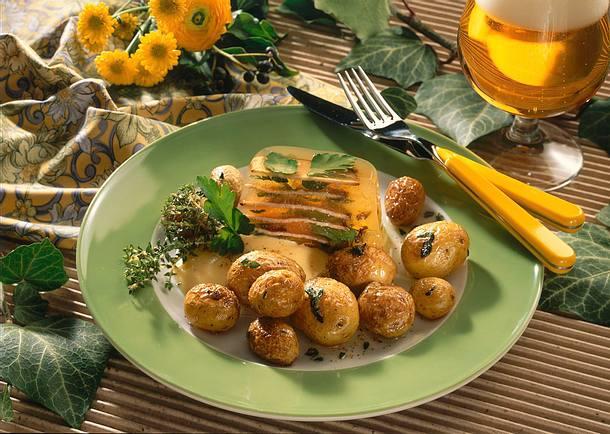 Roastbeefsülze zu gebratenen Thymiankartoffeln Rezept