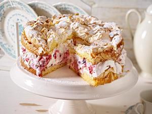 Röd-Gröt-Torte mit Baiser Rezept
