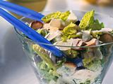 Römersalat mit Champignons und Joghurt-Dressing Rezept