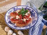 Röstbrot mit Basilikum-Tomaten Rezept