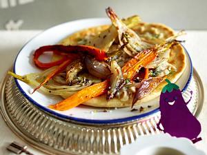 Röstgemüse-Shawarma mit Pfannenbrot und Auberginencreme Rezept