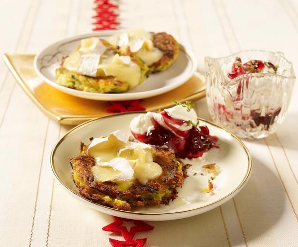 Rösti mit Camembert und Preiselbeersahne Rezept