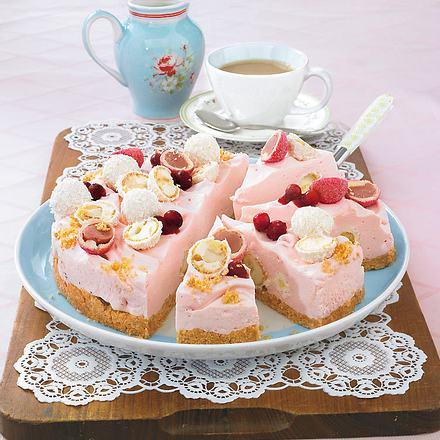 rosa raffaello torte rezept chefkoch rezepte auf kochen backen und schnelle gerichte. Black Bedroom Furniture Sets. Home Design Ideas