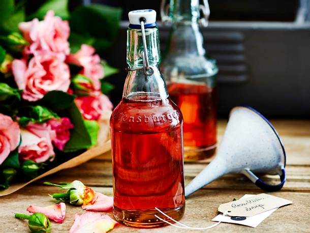 Rosenblütensirup Rezept