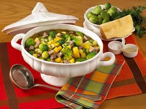 Rosenkohleintopf mit Steckrübe und Rindfleisch Rezept