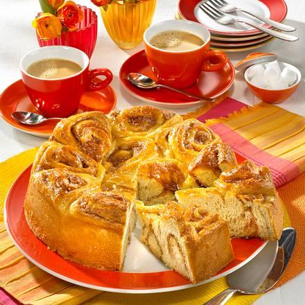 Rosenkuchen mit Zucker und Zimt Rezept