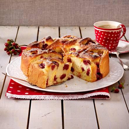 Rosettenkuchen mit Kirsch-Puddingcreme Rezept