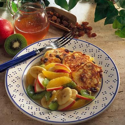 Rosinenküchlein mit Früchten Rezept