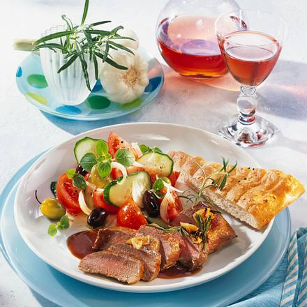 Rosmarin-Lamm mit knackigem Salat Rezept
