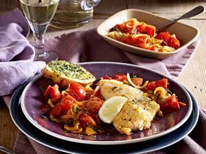 Rotbarsch auf Tomatenzwiebeln Rezept