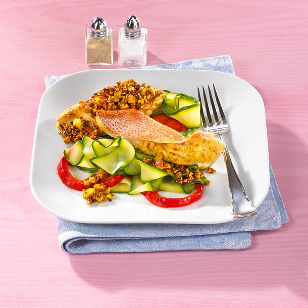 Rotbarschfilet in Curry-Mandeln Rezept