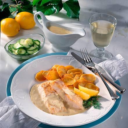 Rotbarschtranchen mit Senfsoße und Bratkartoffeln Rezept