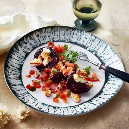 Rote Bete mit Feta und Tomatenvinaigrette Rezept