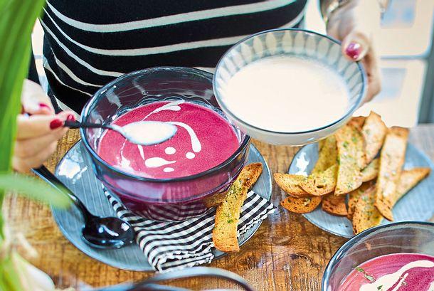 Rote-Bete-Orangensuppe mit Ingwer-Creme Rezept