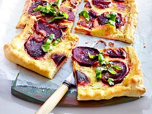 Rote-Bete-Pizza mit Pestocreme Rezept