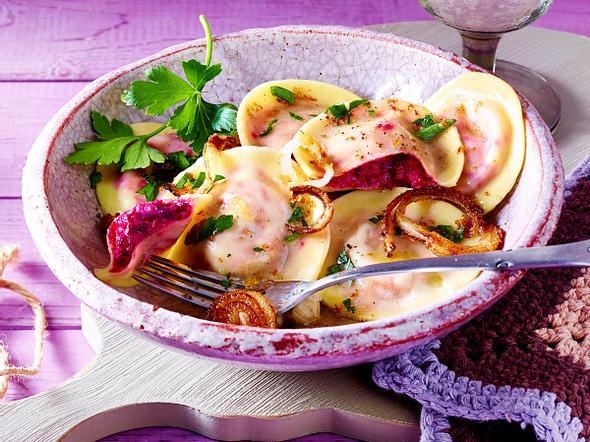 Rote-Bete-Ravioli mit brauner Butter Rezept