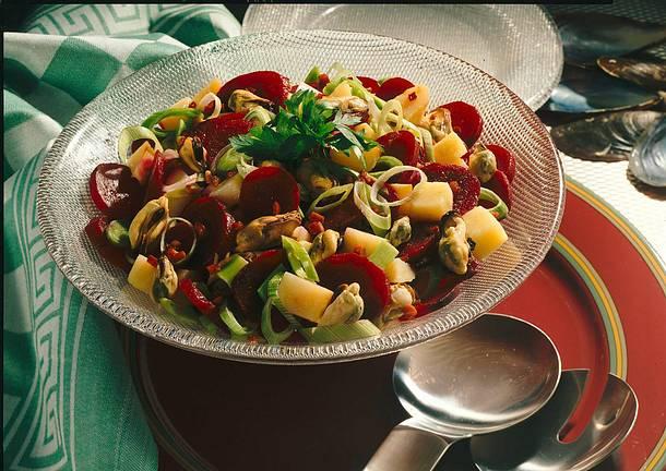 Rote-Bete-Salat mit Muscheln Rezept
