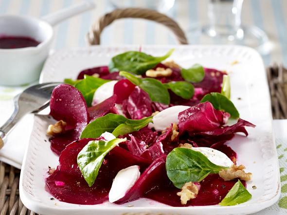 Rote-Bete-Salat mit Ziegenfrischkäse Rezept