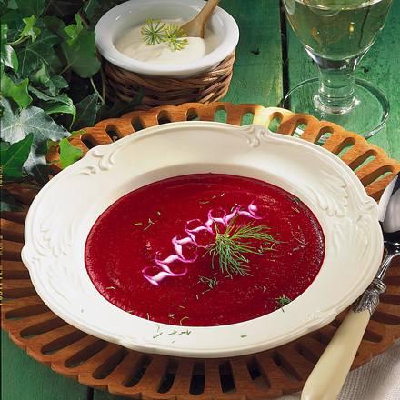 Rote Bete-Suppe mit Meerrettich-Crème fraîche Rezept