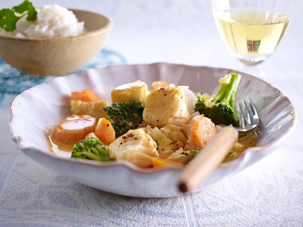 Rotes Fisch-Gemüse-Curry mit Basmati-Reis Rezept