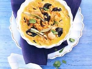 Rotes Linsen-Curry mit Hähnchenbrust und Trockenpflaumen Rezept
