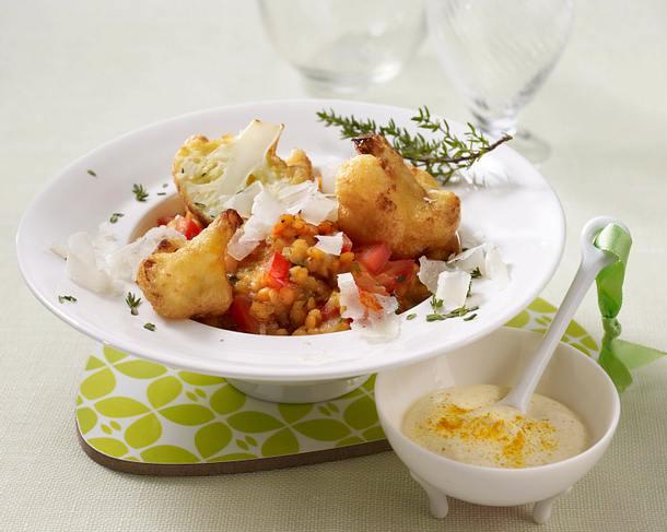 Rotes Linsen-Risotto mit Tomaten, Blumenkohl und Curryschmand Rezept