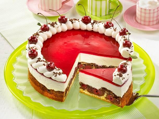 Rotkäppchen-Torte mit Kirschen Rezept