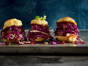Rotkohl-Burger mit zerzupfter Gans Rezept