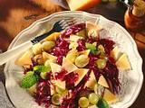 Rotkohl-Traubensalat mit Käse Rezept