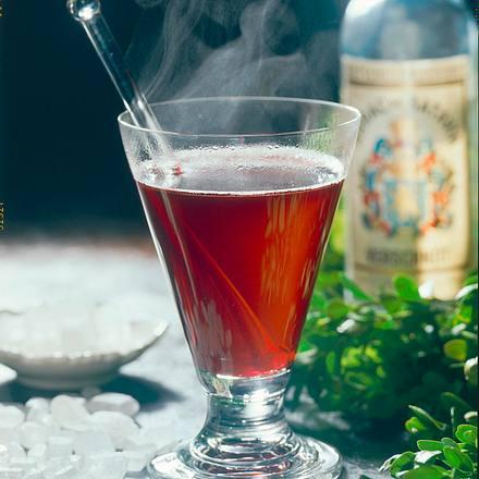 Rotwein-Johannisbeer-Punsch Rezept